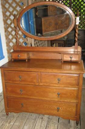 Barleytwist Oak 4 Drawer Dresser On Rollers With Original