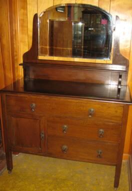 Dark Oak Dresser On Rollers 3 Drawers 1 Door Shelf